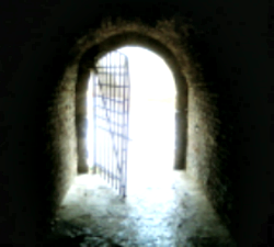 Gate_from_darkness_to_Light